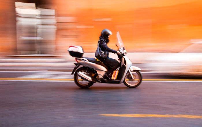 """Accidentes con scooter: """"los coches son los culpables"""""""